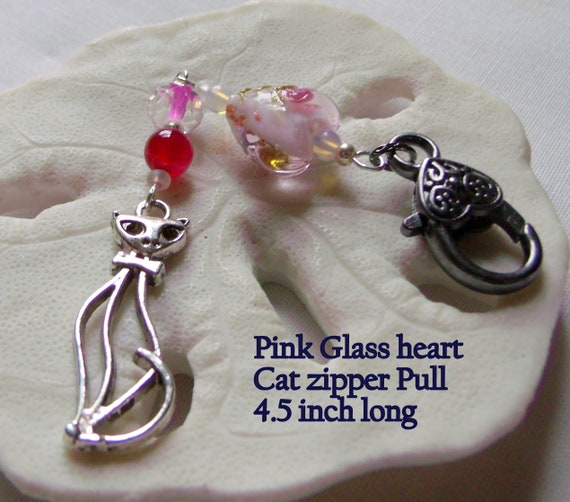 French cat zipper pull -  cat lover gift - purse charm -  Journal planner charm - large pink heart charm - pink cat zipper clip - Kitty gift