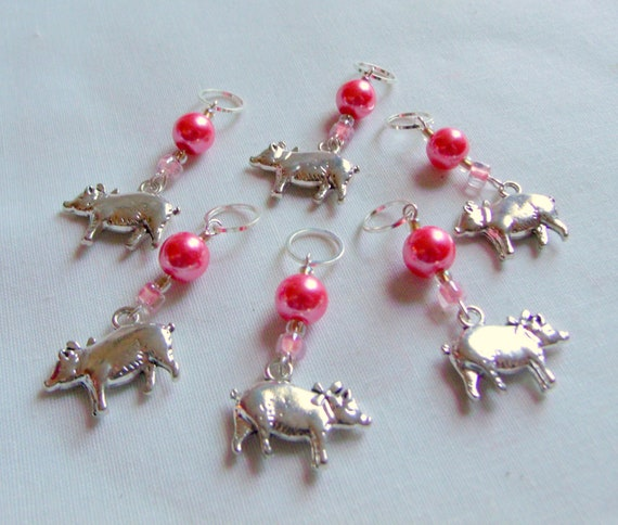 Pig stitch markers - country knitting gift - pink yarn accessory - crochet - pigs fly charms - set of 6/5 - knitting circle - women crochet