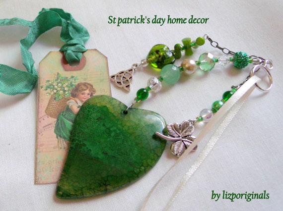 St Patrick's Day home decor - green gem heart - Celtic knot charm - shamrock - Boston Irish gift - Car charm - Irish club - sun catcher