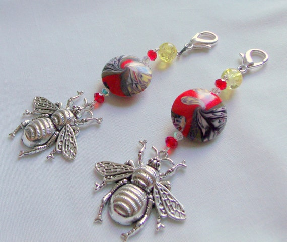 Silver Bee zipper pull - queen honey bee - red swirl bead gift - bee happy - gift for gardeners - insect bag charm - journal/planner clip