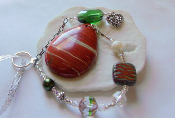 Southwest christmas ornament - arizona home decor - Orange Jasper pendant - natural tree charm - green gemstone holiday gift - heart charm