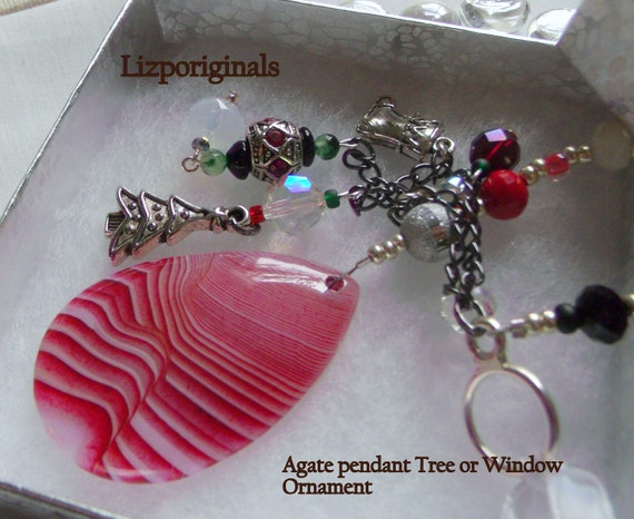 Red white agate Christmas pendant - holiday ornament - silver charm Christmas sun catcher - gemstone ornament -  tassel  decor - candy cane