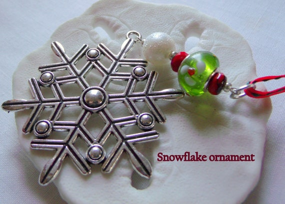 Snowflake ornament red Christmas ornaments handmade - tree hanger - country style - large snowflake charm - green flower bead