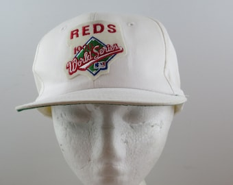 bc13eae7cfd Cincinnati Reds Hat (VTG) - 1990s Worlds Series by Twins - Adult Snapback