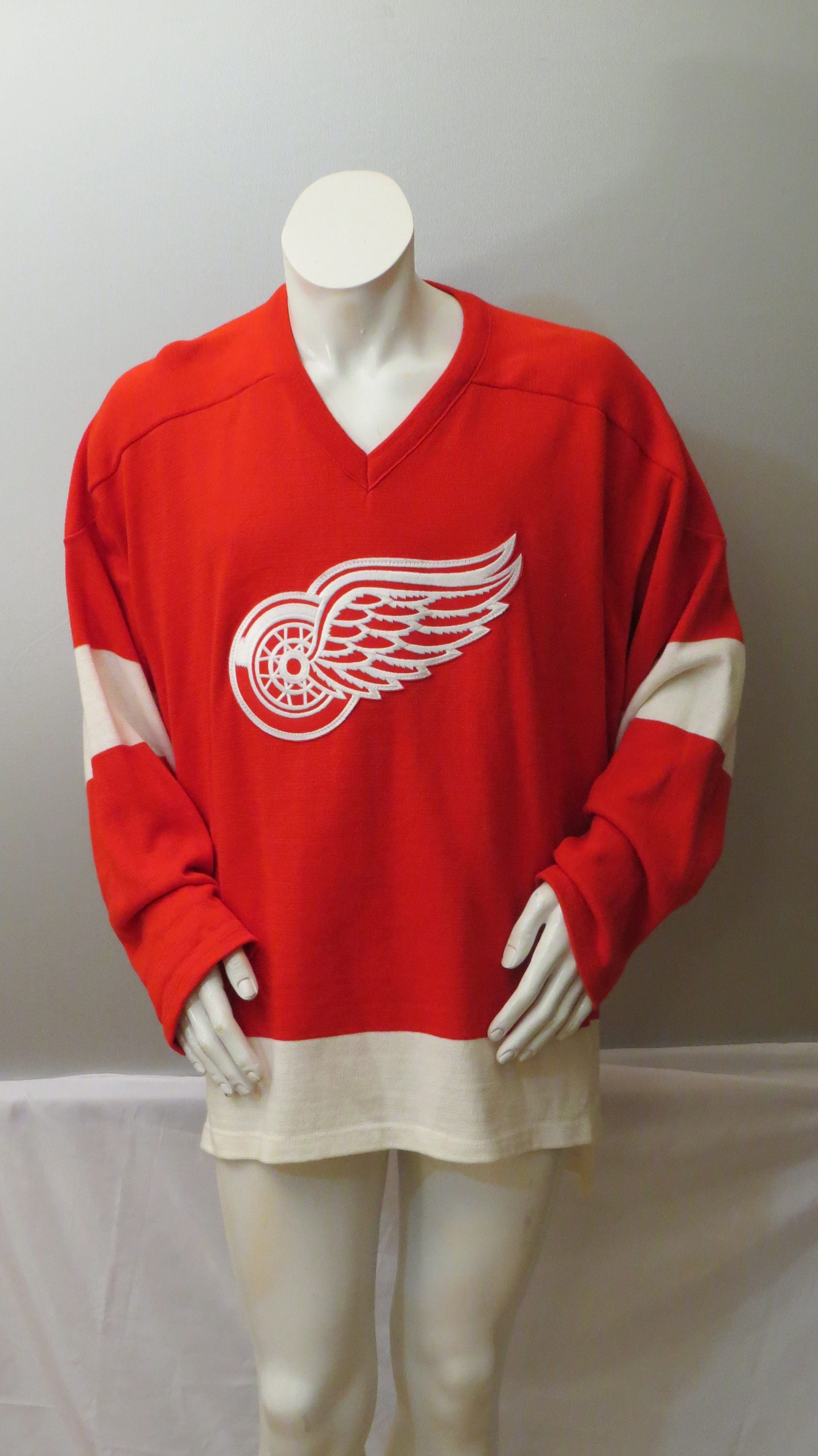separation shoes 940ad a2da8 retro red wings jersey