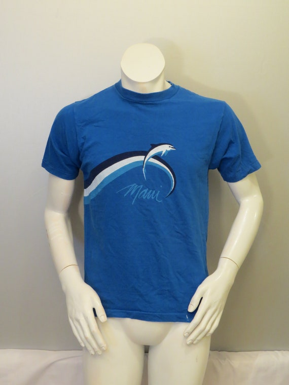 Vintage Graphic T-shirt - Maui Dolphin Wave Wrap G