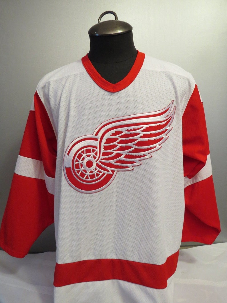 the latest 75fe1 9b6eb Vintage Detroit Red Wings Jersey - Home White by CCM - Men's Medium