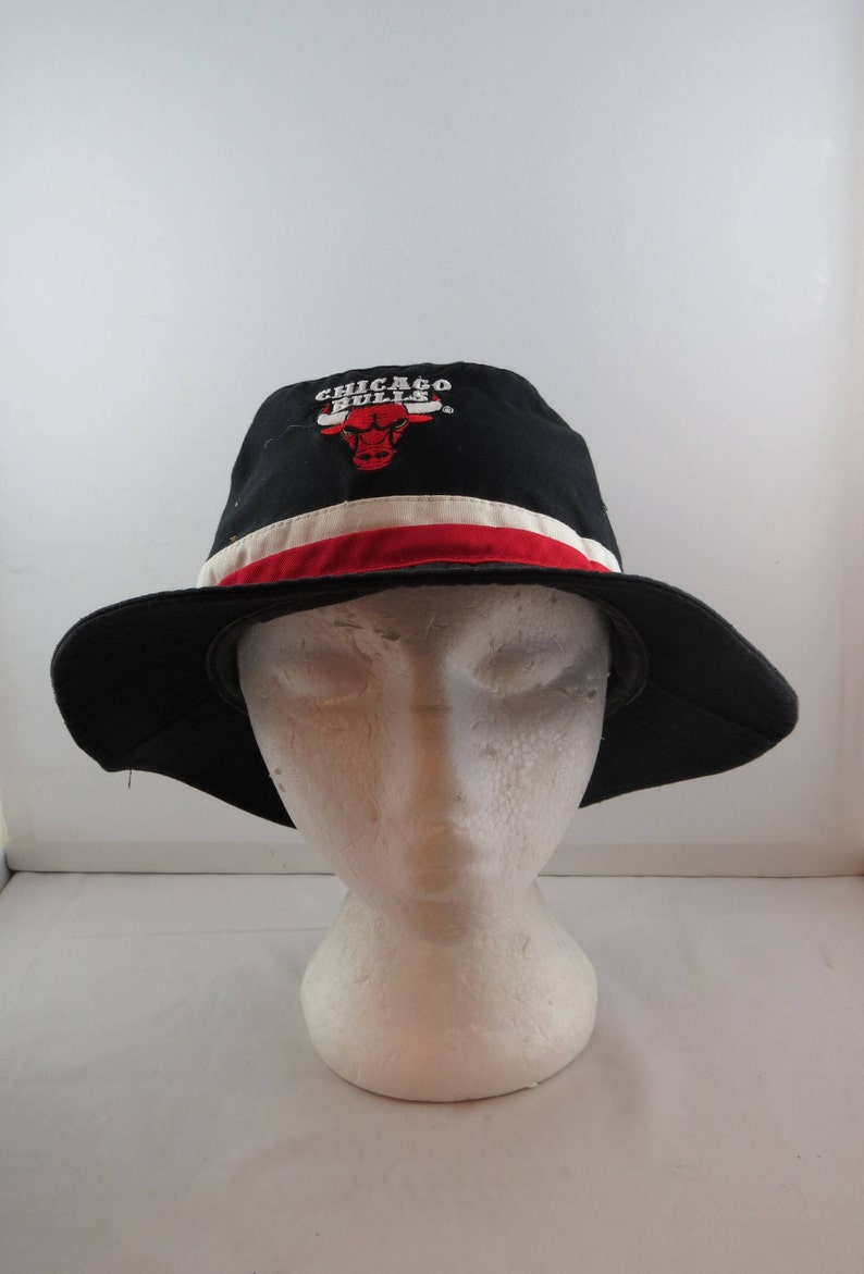 3d98fdcea0e Vintage Chicago Bulls Hat Starter Bucket Hat Adult One