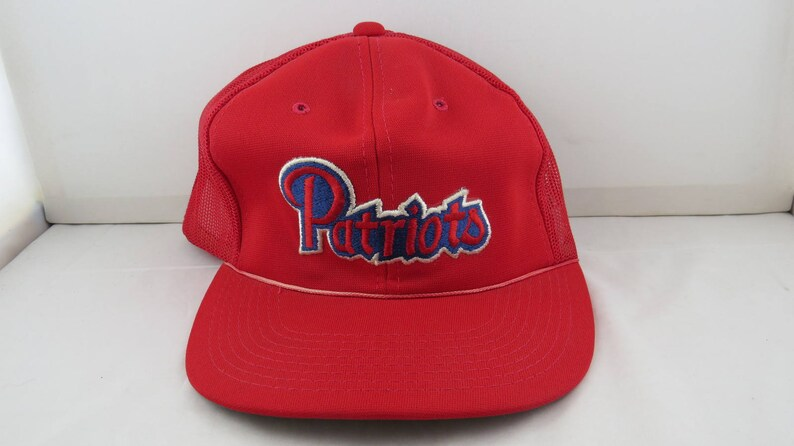 22294a6bc38 New England Patriots Hat VTG All Red Script Patched