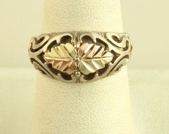 CCO Black Hills gold ring ladies 1 10K gold sapphire ring beautiful 3 Stone yellow~ green ~ rose gold leaves on solid 10k gold band size 6,7
