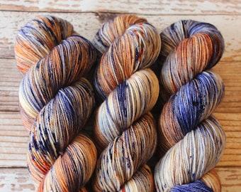 Ines - Ocaso - Hand Dyed Yarn - 100% Super Wash Merino