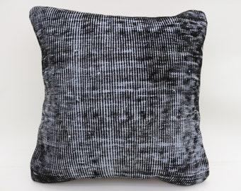 Kussen Wit 18 : Kelim kussen zwart wit parksidetraceapartments