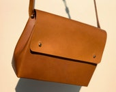 Handmade leather shoulder bag - SCYLLA Tan (brown) - Can be personalised