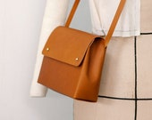Handmade leather shoulder bag - SCYLLA Tan - Can be personalised