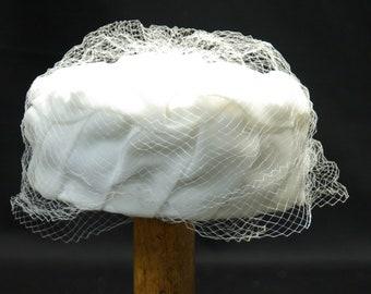 40's White Chiffon Pillbox Hat