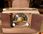 Zenith 6G801 Vintage Radio - 6-tube portable AM radio from 1948. Very good condition, working