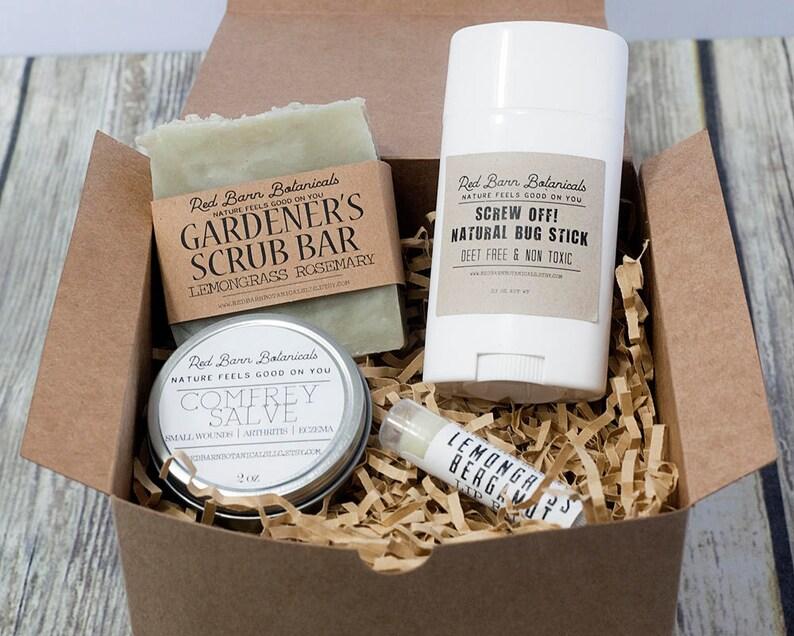 3ba287d7f72c Gardener Christmas Gift Box Set Lemongrass Rosemary Themed