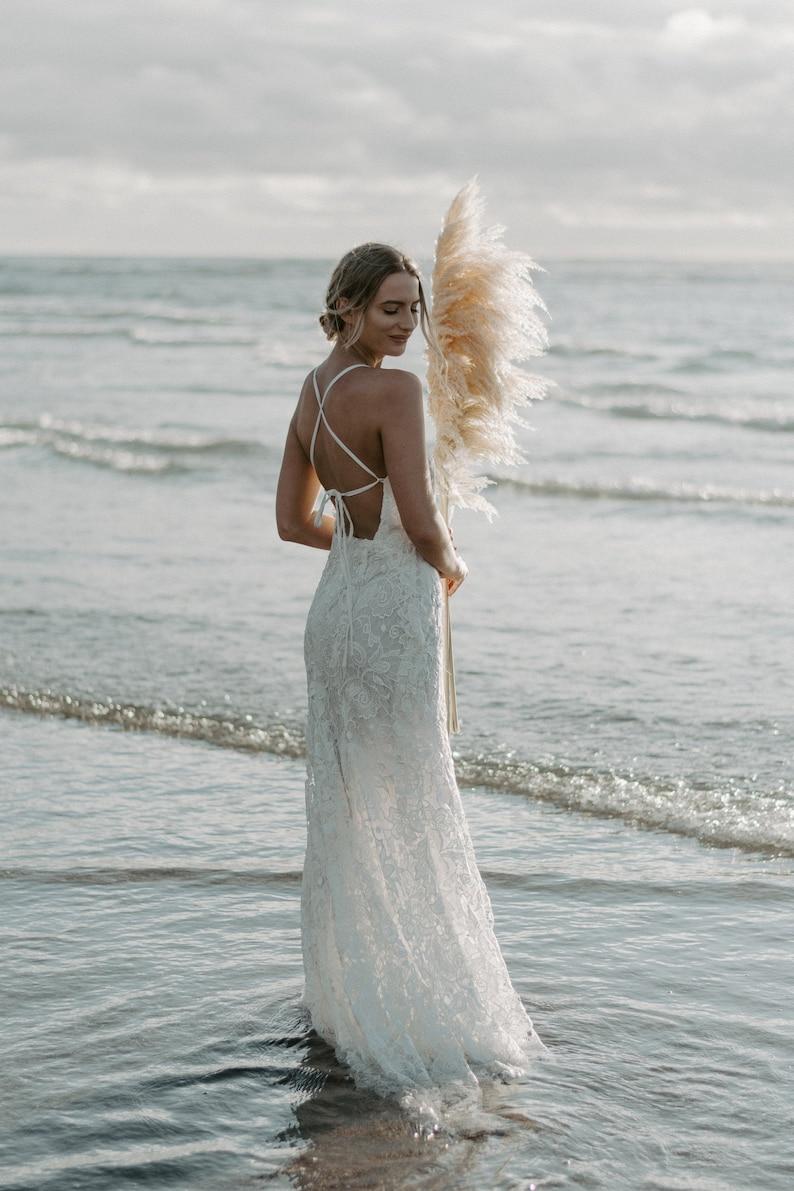 Wedding Dress Casual Wedding Dress Beach Wedding Dress Boho Wedding Dress Lace Wedding Dress Flowing Skirt Bridal Gown Chiffon Gown