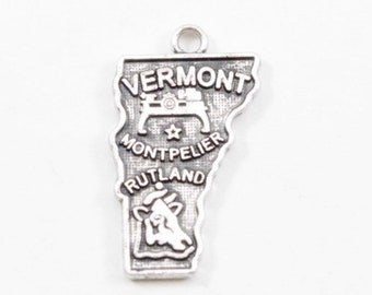 Vintage Vermont State Charm Sterling Silver Vermont Charm for Bracelet Travel Memento shape of the USA State Vermont Souvenir Bracelet Charm