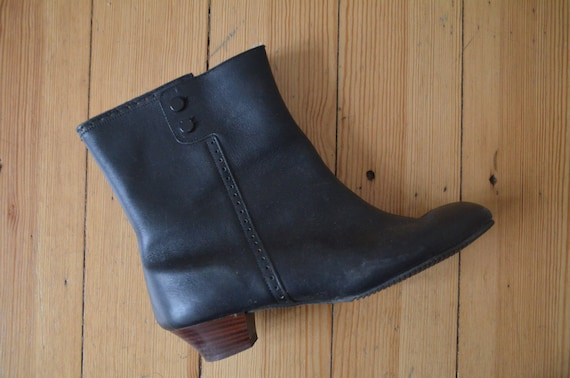 Vintage 1960s Winter Go-Go Boots