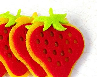 6 decorations APPLIQUES EMBELLISHMENTS Strawberry felt 52x39mm + Scrapbooking adhesive pads