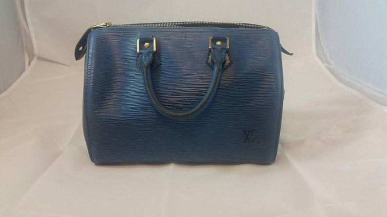 fb95794b44f7 Authentic Louis Vuitton Speedy 25 in Blue Epi Leather