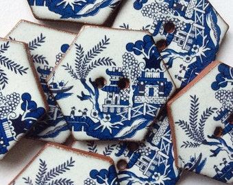 8 Willow Pattern Hexagonal Buttons, Ceramic Buttons, Blue and White Buttons. Handmade Ceramic Buttons, Willow Pattern Design.