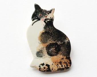 Tabby Cat Brooch, Cat Jewellery, handmade brooch, ceramic brooch, Cat Gift.