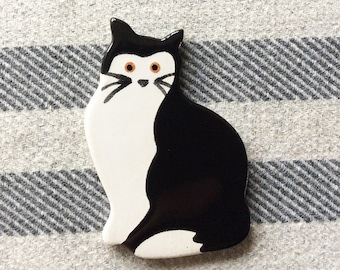 Black and White Cat Brooch, Cat Jewellery, handmade brooch, ceramic brooch, Cat Gift.