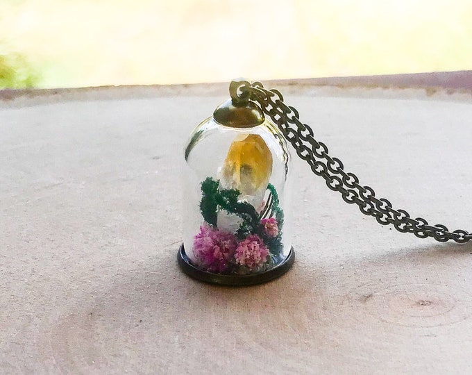 Healing Citrine Crystal Terrarium Necklace with Real Flowers and Moss