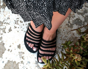 Black sandals women made to order in Greece make perfect strappy sandals/ Sandals women black/ Black Slides for her/ Toe ring sandals woman