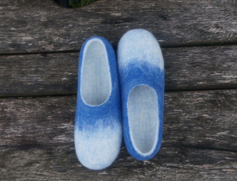 a0f8e04fa3b3e Unisex felted slippers Felt slippers Men slippers Men clogs Wool clogs  Women clogs