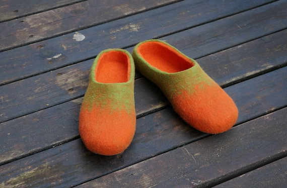 9e49f38299d1e Felt slipper Unisex felted slippers Felt slippers Men slippers Men clogs  Wool clogs Women clogs Felt shoes