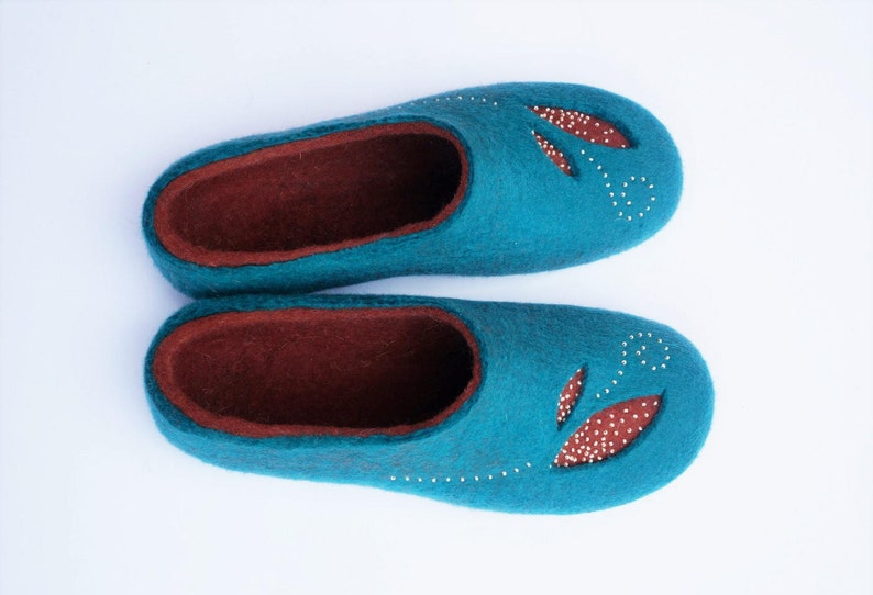 d459858fee92f Felt slippers women Felted slippers Felted wool slippers Felted women  slippers Soft wool Women gifts Gefilzte Hausschuhe