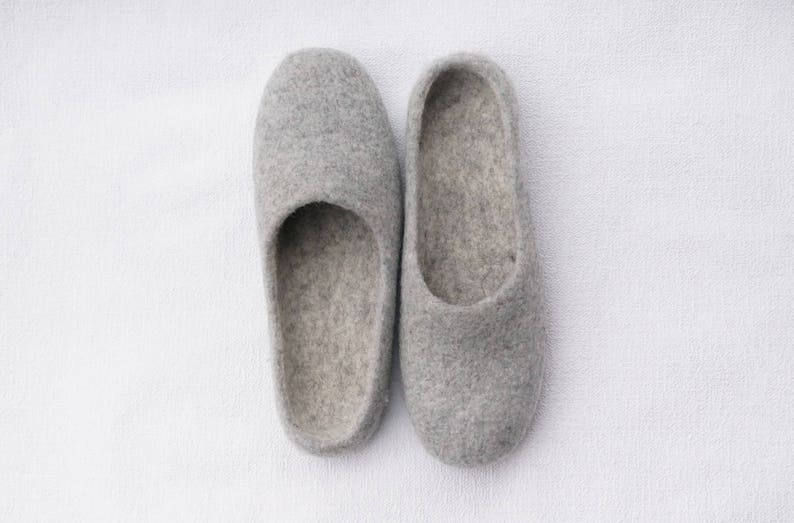 66c2107eb76b5 Felt slippers women Other colors Merino Tirol wool Women felted shoes  Felted clogs Unisex wool clogs Women slippers Pantofole feltro