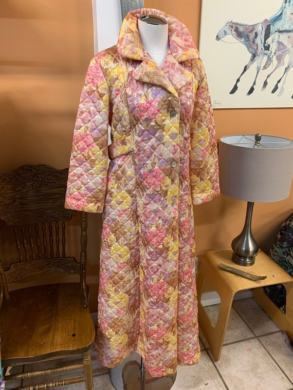 Vintage Leisure Lady Floral Print Housecoat Nightg