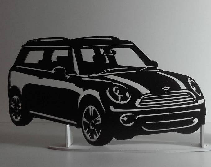 Plate teaches MINI CLUBMAN steel hammered effect paint finish