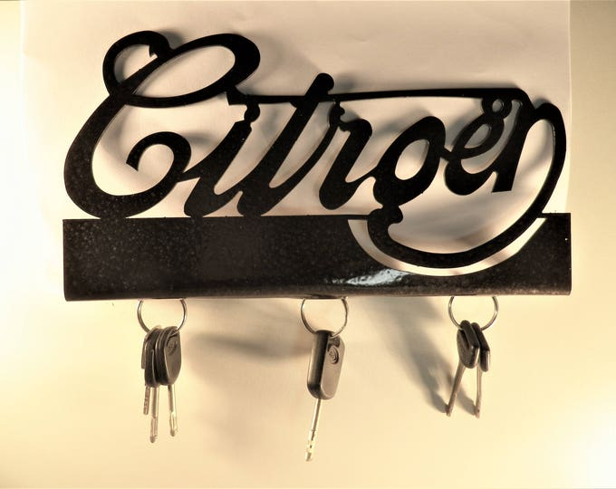 Key hanging document holder with CITROEN lettering