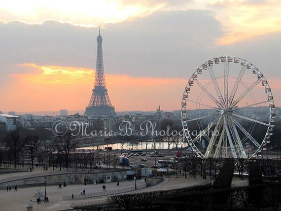 Eiffel Tower Paris Wedding Gift Sunset Paris Lovers Gift France Fine Art Photography Housewarming Gift Home Wall Decor Office Decor