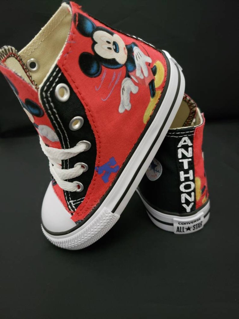 2dee661bee4bb0 Converse Shoes Disney Mickey Mouse gift chucks children
