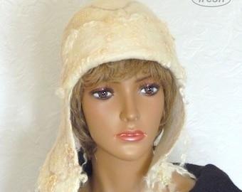 Womens Trapper Hat, White felt Hat, Womens winterhat, White Woolen hat, Warm Winter Hat