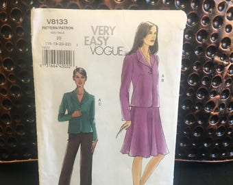 Very easy Vogue V8133 pattern makes women's jacket, skirt and pants Size FF 16-22, 2005 UNCUT sewing Pattern