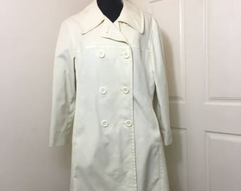 London Fog Ladies Coat, Maincoats, Caribe Cloth, Size 16 Petite, Ivory Color, Trench Coat, Double Breasted, Slit Pockets, 1970's Coat