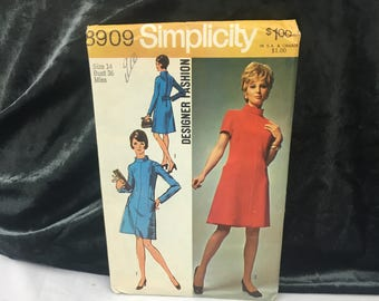 1970 vintage dress pattern, Simplicity 8909, misses dress designer fashion makes high neck dress, size 14 bust 36