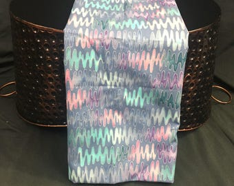 Screen Print Fabric, Quilting Fabric, Wavy Colors, Hoffman International Essentials, 1 Yard, Cotton Fabric, Discount Fabric, Fabric Remnants