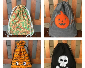 Halloween gift bags/fabric gift bags with drawstring/ storage bags/ Fall decor/ trick-or-treat bags/ teacher gift/ toy bag
