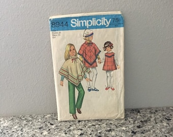 Girls poncho jumper, pants and scarf pattern, vintage 1970 Simplicity 8944 Size 7 breast 26, fringe trim, 1970s style, kids sewing patterns