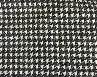 Houndstooth Fabric, Vintage Stretch Fabric, 1 + Yard, 44 Wide, Black Fabric, Fabric Remnants, Skirt Fabric, Vintage Fabrics, Sewing Supply