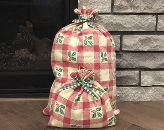 Country primitive farmhouse style red plaid cloth gift bags, Christmas decor vintage fabric, reusable gift wrap, zero waste, special present