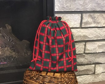 Plaid Christmas fabric gift bags with drawstring, large size for presents, 11 x 14.5